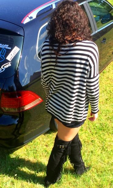 Pulli, Shorts, Schmuck: LTB | Sunglasses: Quay Australia | Shoes: Asos