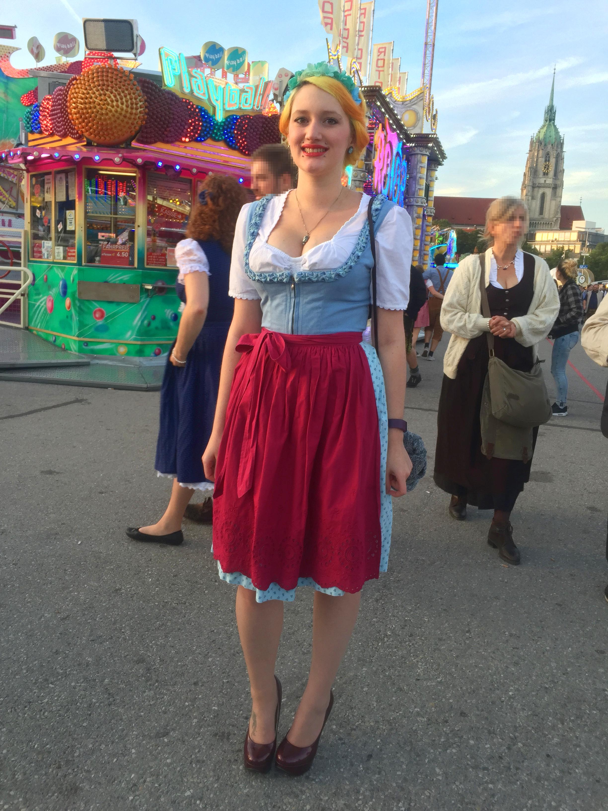 e3bfd81834921f oktoberfest-streetstyle-wiesn · wiesn_glamouroes wiesn_alternative