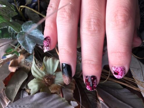 halloween-nails_bloody-dark-glamour