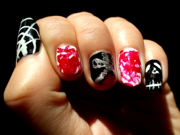 halloween-nails_zipper-spider