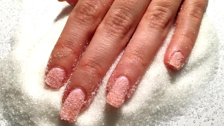 sugar-daddy-nails