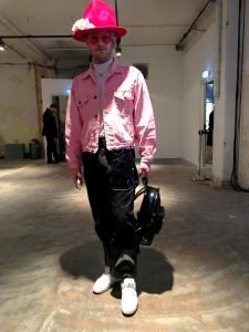 nimm-berlin-streetstyle-fashion-week-strify-pink-hat