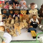 BRK-Riesenflohmarkt_Theresienwiese-Muenchen_Puppen