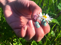 Spring-Flower-Power_Nailart