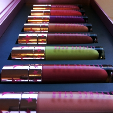 jeffree-star-summer-chrome-collection-packaging-lipsticks